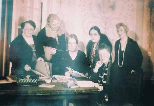 بوابة الاهرام :مشوار عمره أكثر من 90 سنة قصة كفاح المرأة المصرية للحصول على حقوقها السياسية